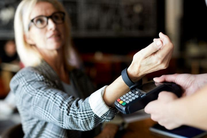 Making payments with your smartwatch nfc payments