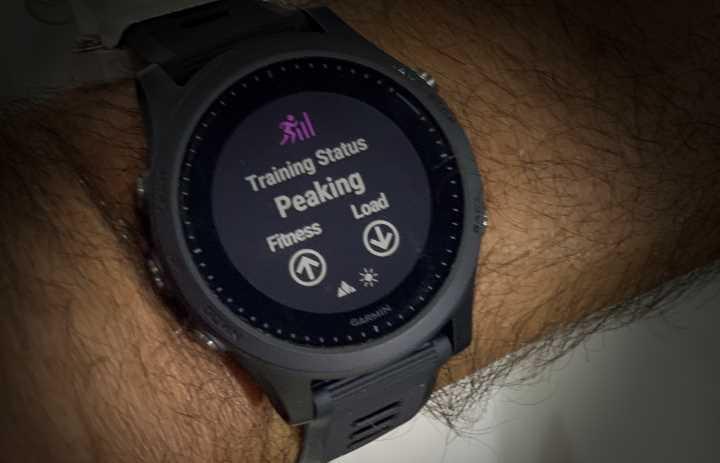 Garmin Forerunner 935/945 showing training status on screen