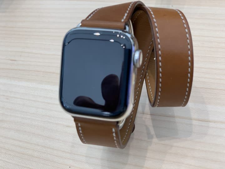 Apple watch 5, brown band