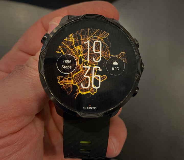 Suunto 7 smartwatch - top 10 smartwatches