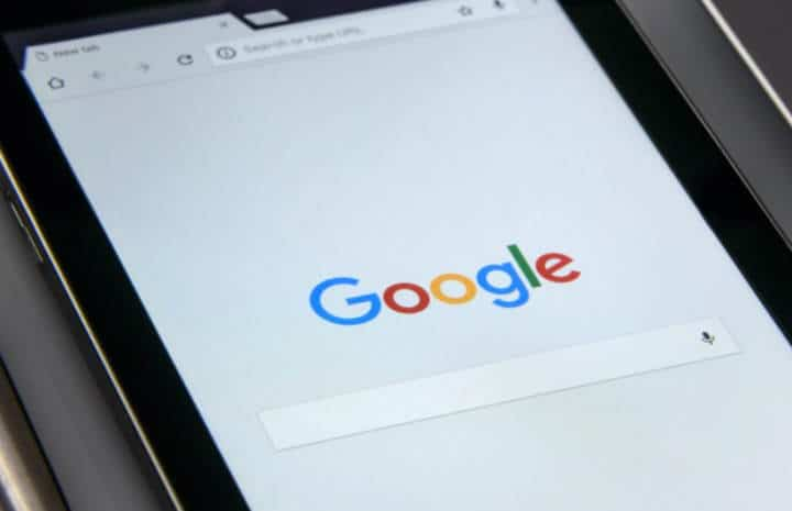 Google image (buying fitbit)
