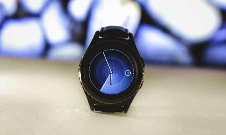 Generic round smartwatch. Google pixel like?