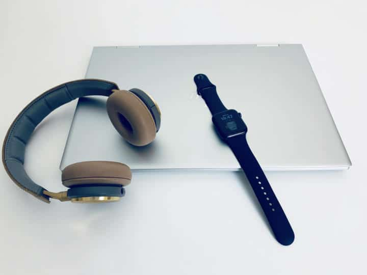 Apple watch music headphones