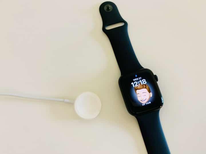 Apple Watch - happy face emoji - charging