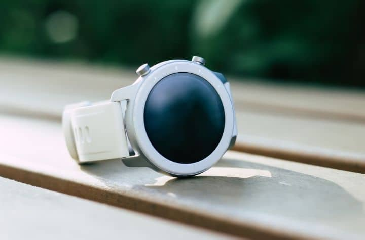 Are Smartwatches Safe to Wear